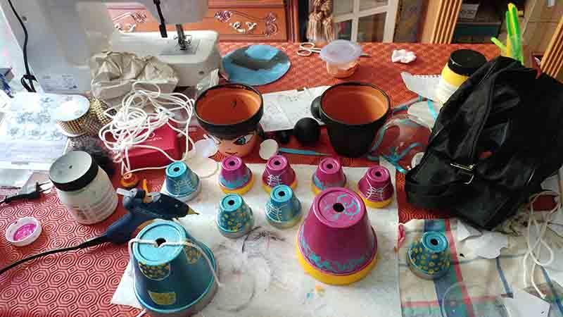 atelier decoration de pot en terre cuite