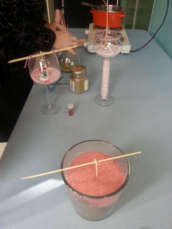 atelier bougie avec du sable