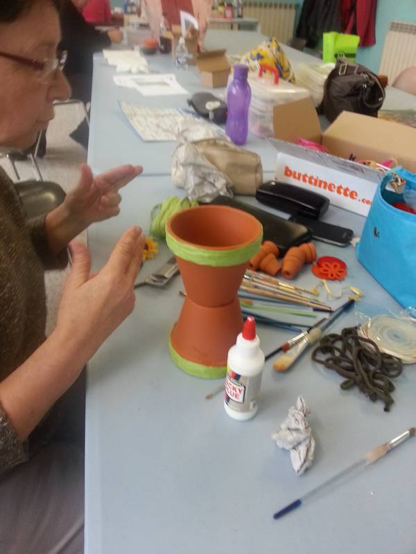 atelier deco de pots en terre cuite