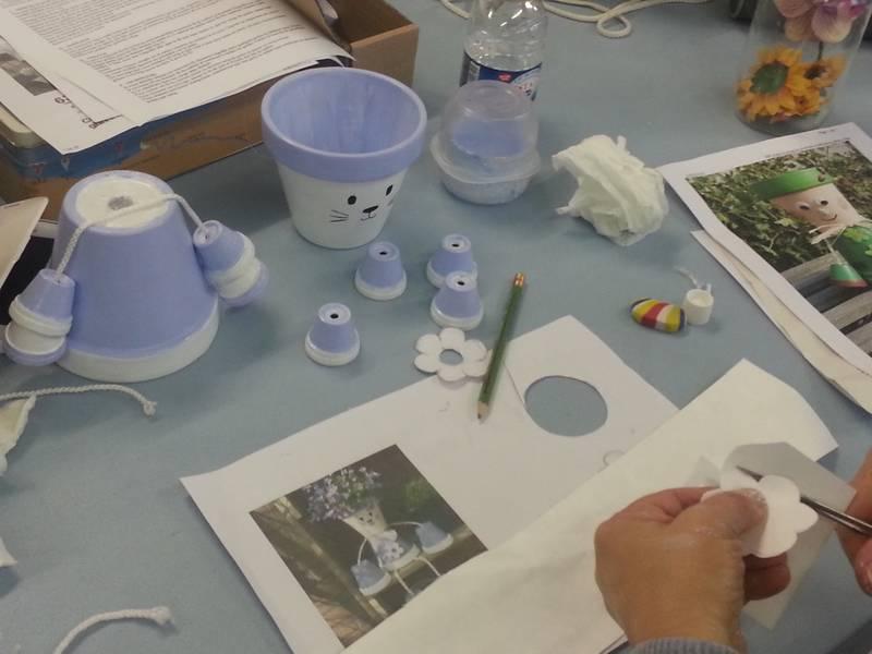 Atelier decoration de pots en terre cuite