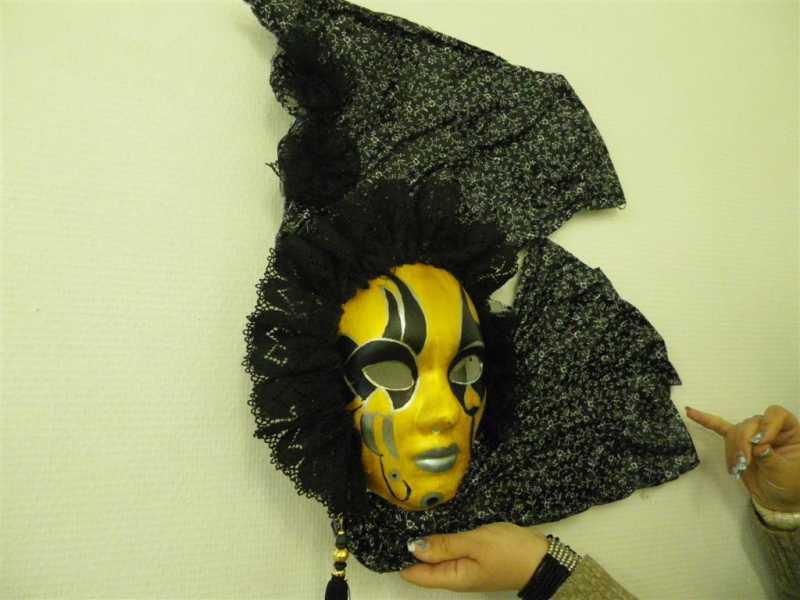 Celine masque mars 2013 large jpg