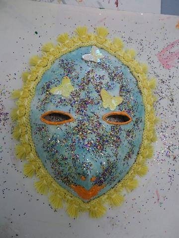 Genevieve masque mars 2013 jpg