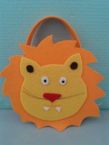 Panier lion danielle