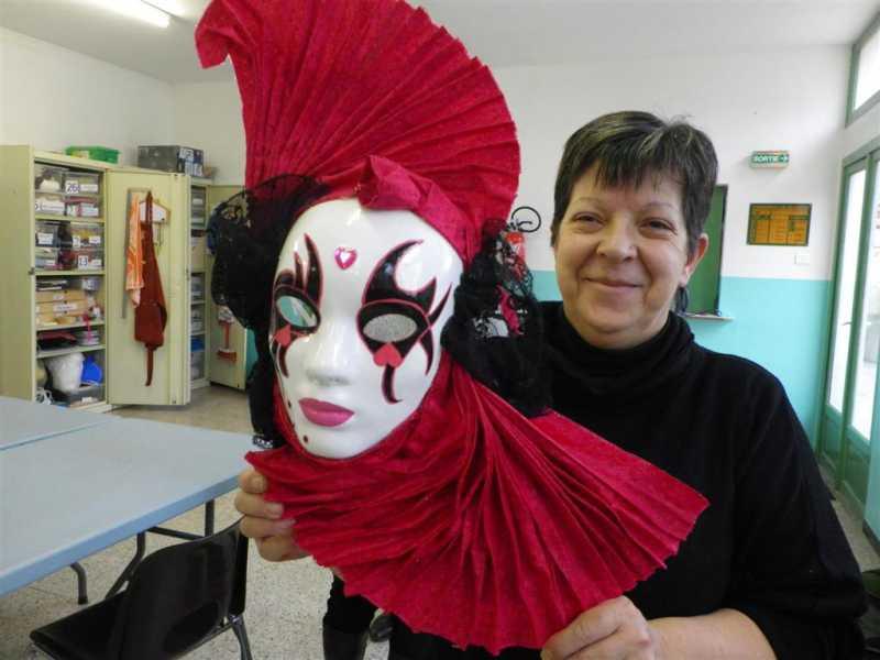 Valerie masque mars 2013 large jpg